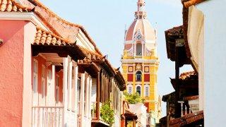 Les balcons de la ville de Carthagène en Colombie