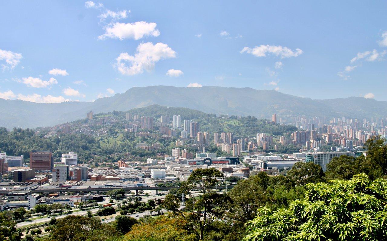 Medellin ville du printemps éternel en Colombie